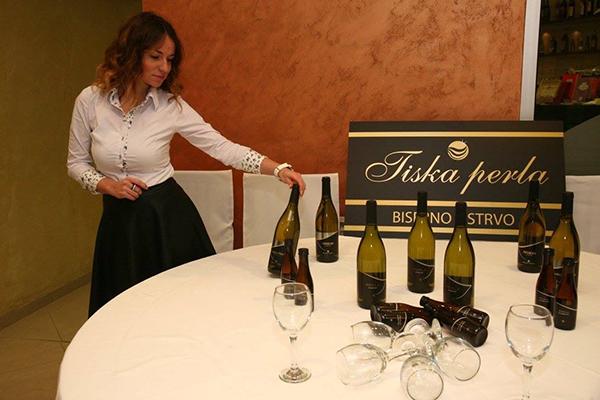 hotel tiski cvet vino fest